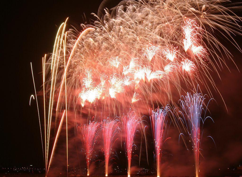 51d2cbf693d5b_fireworks-89