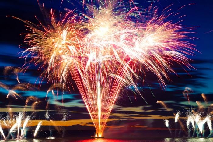 Corams-Fields-Fireworks-700x466