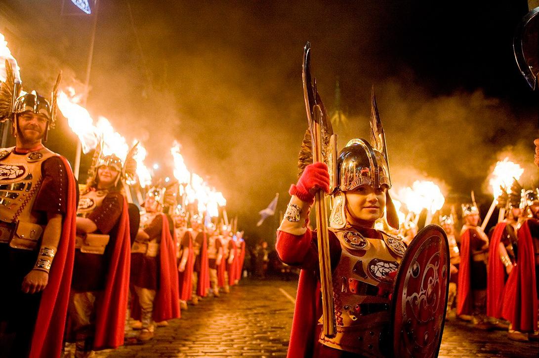 edinburghs-hogmanay-torchlight-procession-up-helly-aa-vikings-credit-peter-sandground