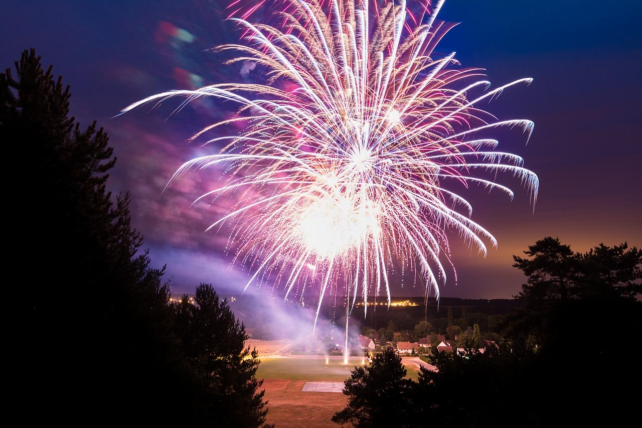firework-845078_1280