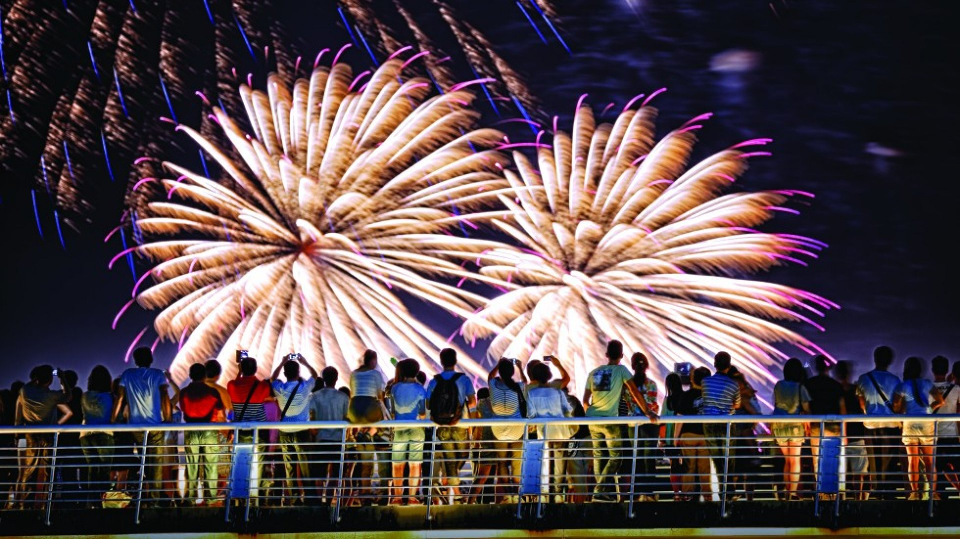 macau_fireworks_44423700