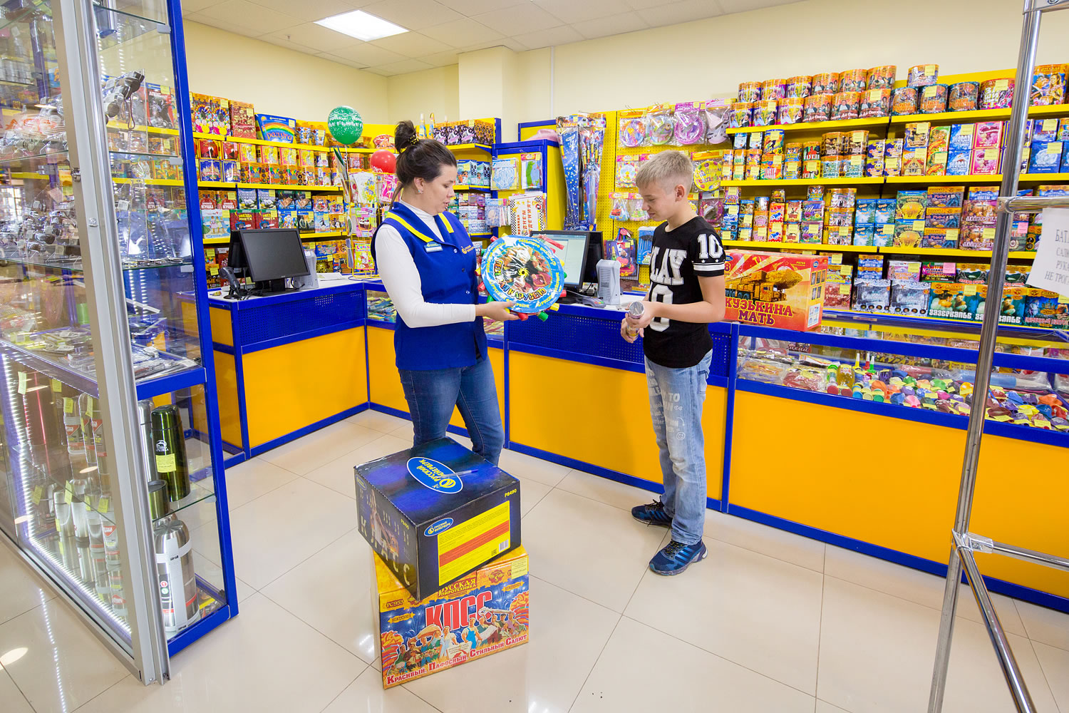 russian-fireworks-store-3